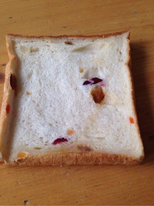 フルーツ食パン
