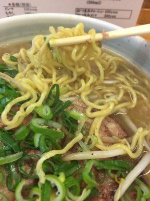 ラーメン庵の太麺